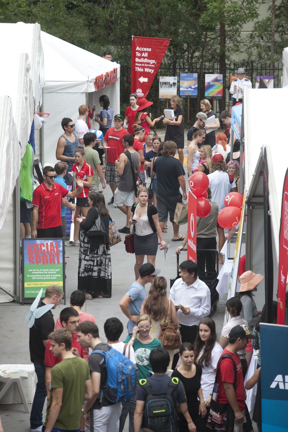Busy scene on Griffith university campus