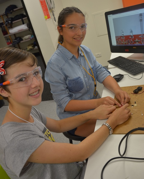 Phoebe Keck and Jasmine Elliott took part in the ConocoPhillips Science Experience at Griffith University.