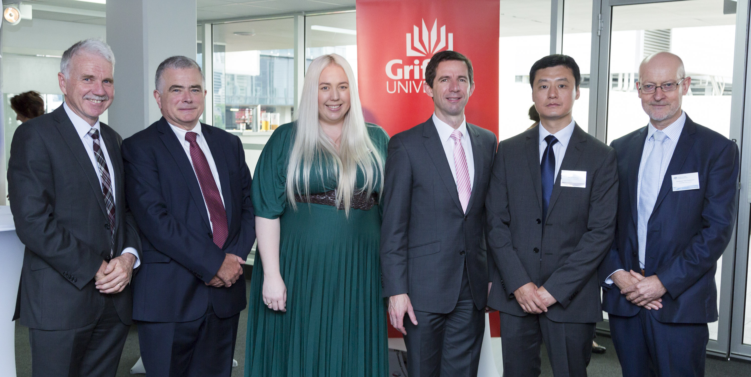 Professor Aidan Byrne (ARC), Professor Ian O'Connor, Dr Fiona Barlow, Senator Simon Birmingham, Dr Hui Feng and Professor Ned Pankhurst at the announcement.